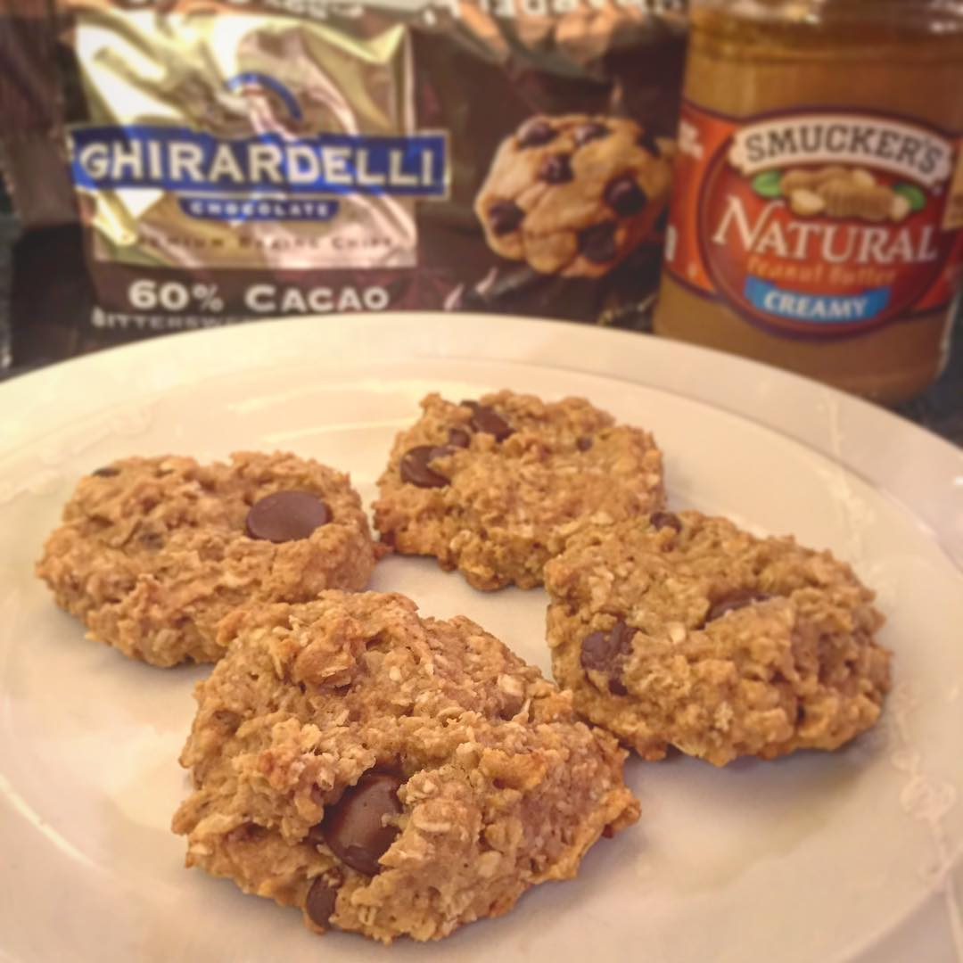 chocolate chip peanut butter oatmeal cookies by @coachcourtpolo