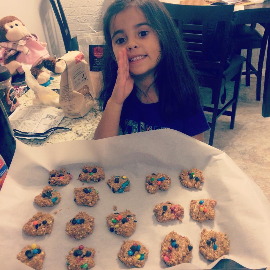 healthy pumpkin monster cookies by @fittribe_kb