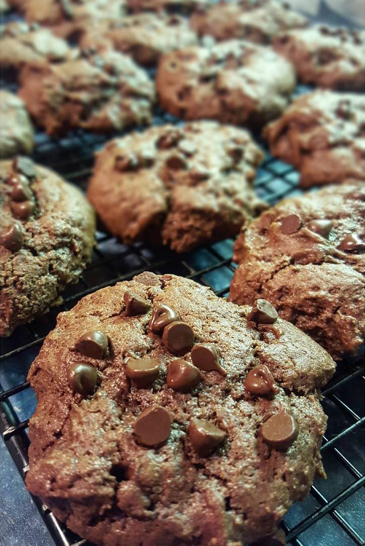 mocha chocolate chip cookies by @jeaniebeanie_eats