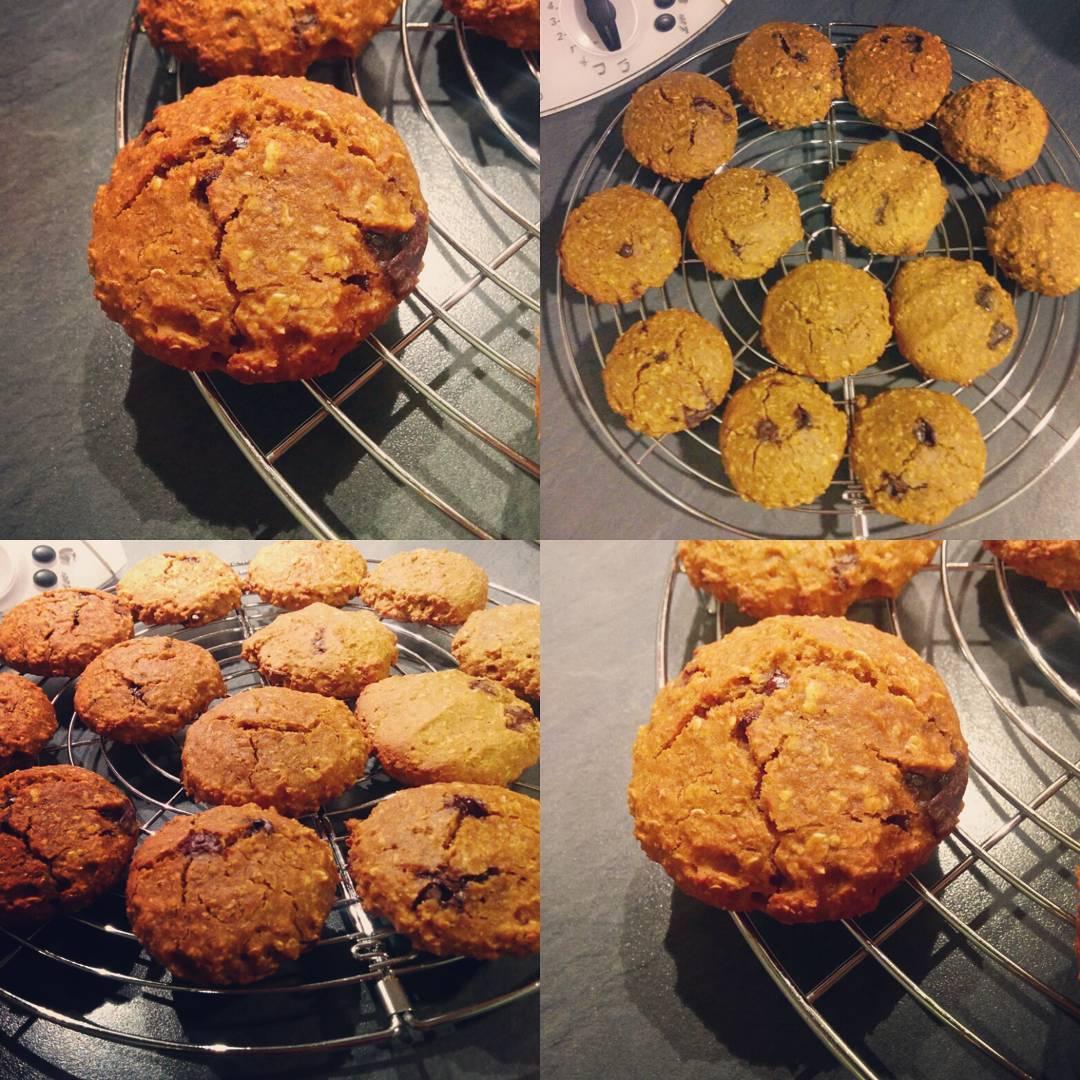 pumpkin pie chocolate chip oatmeal cookies by @lubeca_bbg