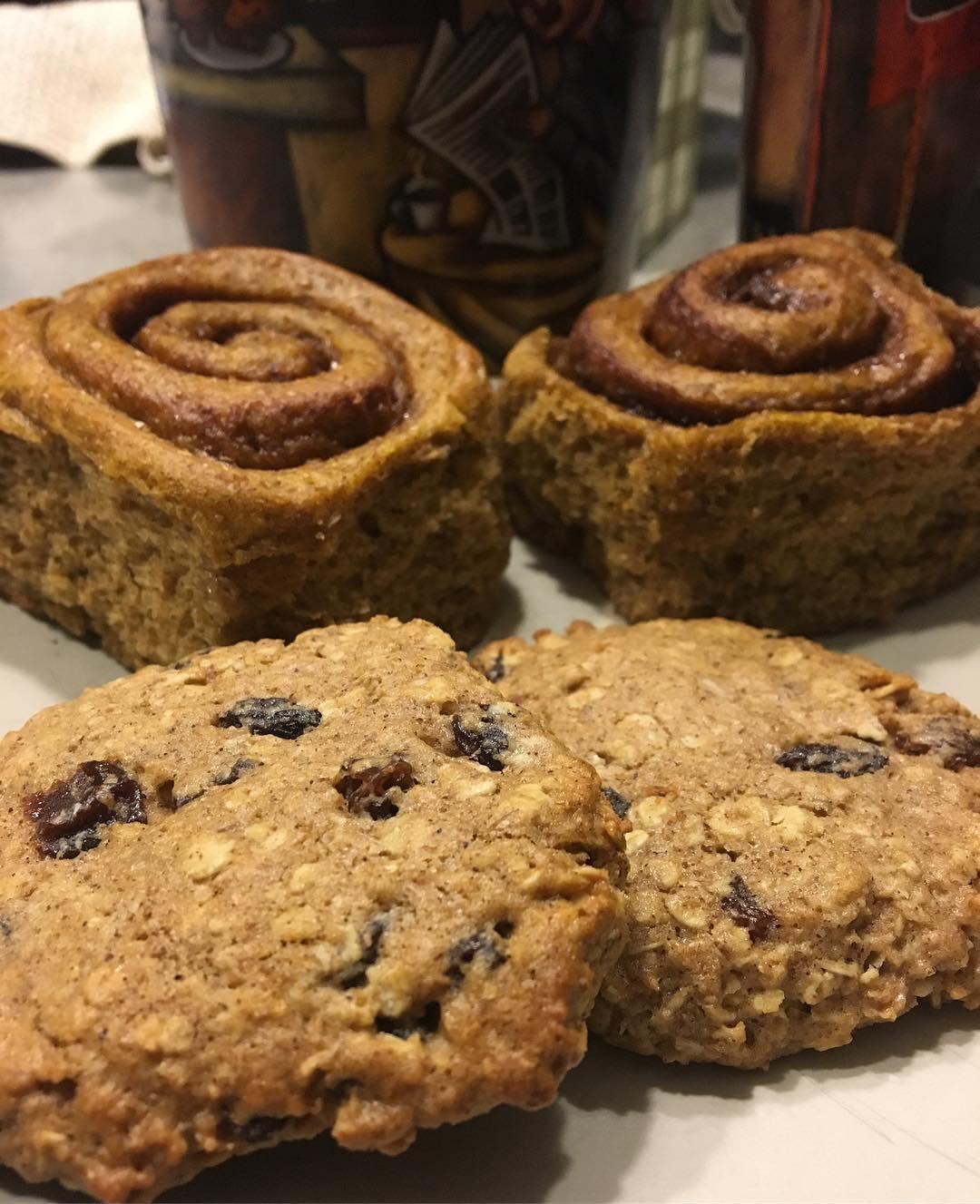 the ultimate healthy soft & chewy oatmeal raisin cookies & clean pumpkin cinnamon rolls by @scrappyhappymom