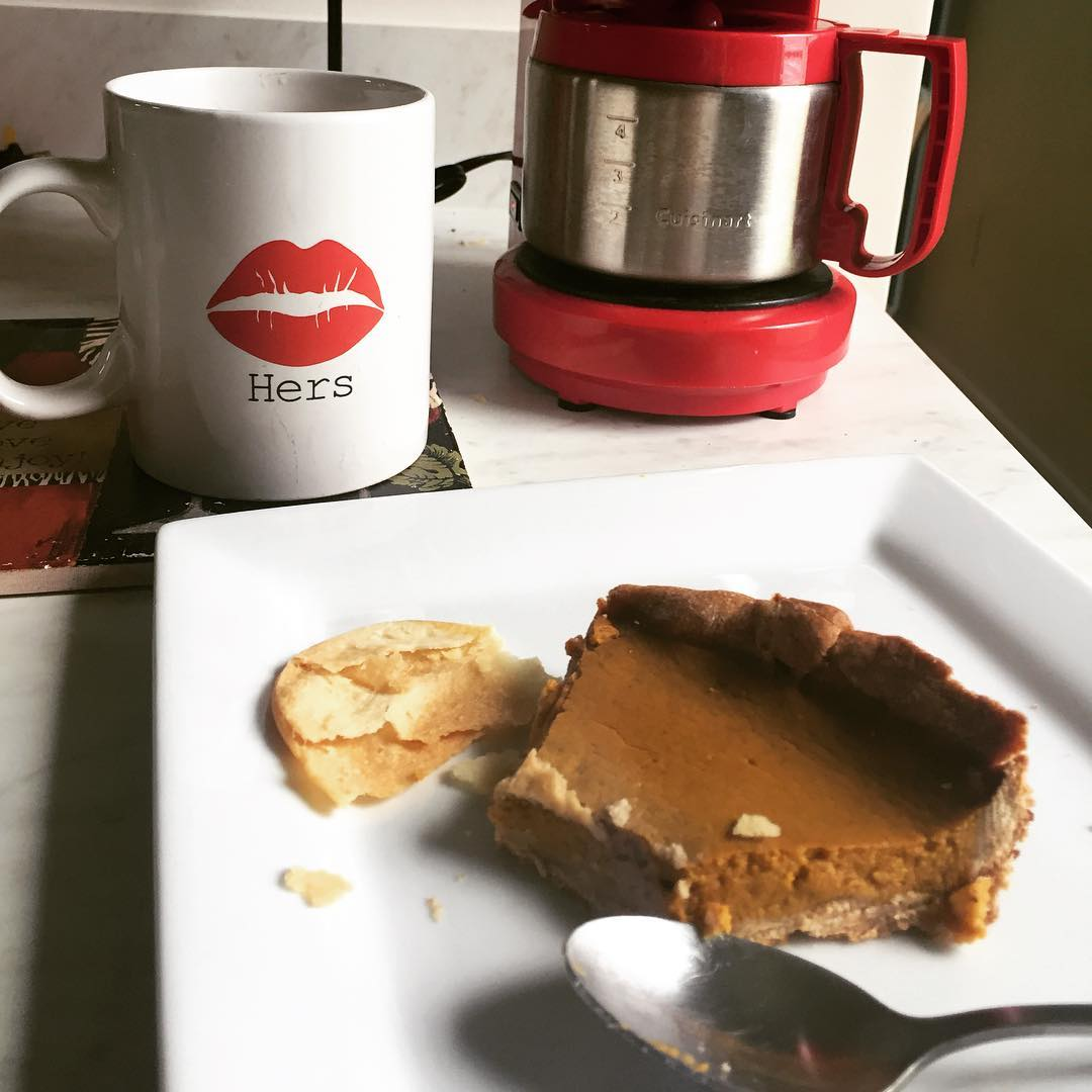 the ultimate healthy pumpkin pie by @misskarlao