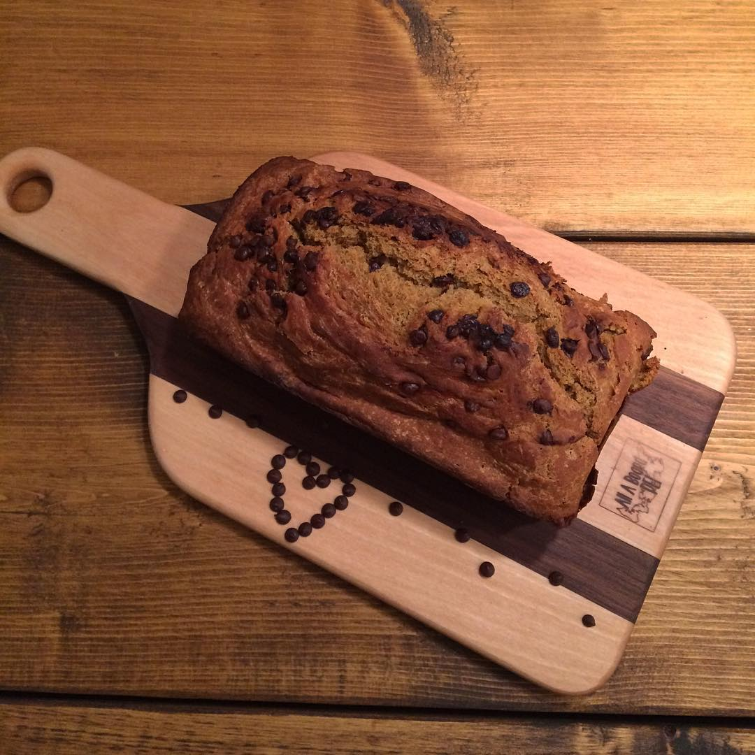 chocolate chip pumpkin bread by @sherunsmontreal