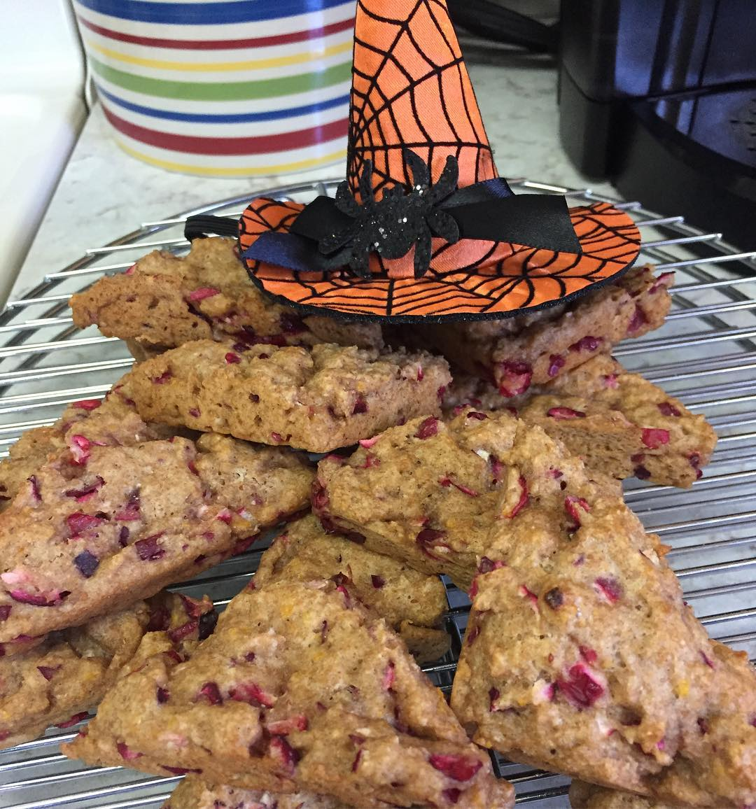 clean cranberry orange scones by @janeska17