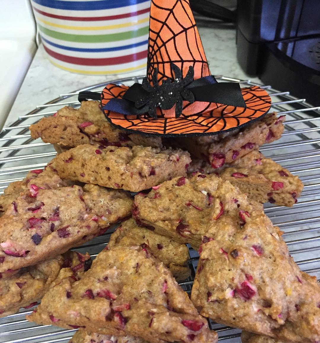 clean cranberry orange scones by @janeska17