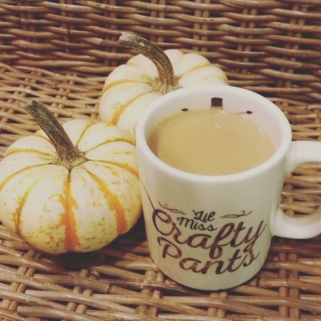 the ultimate healthy pumpkin spice latte by @madaamlalune