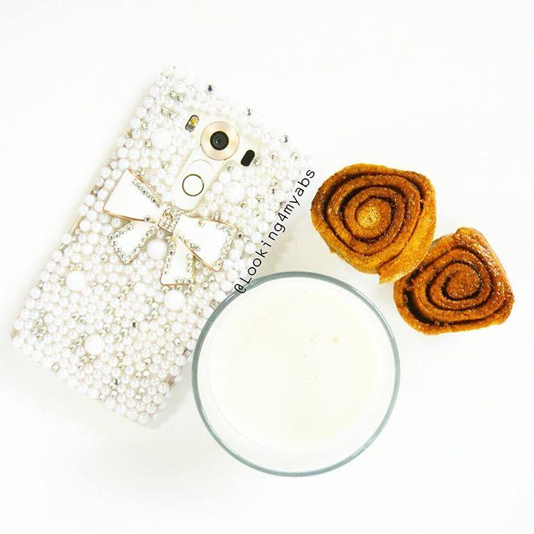 healthy classic cinnamon rolls by @looking4myabs