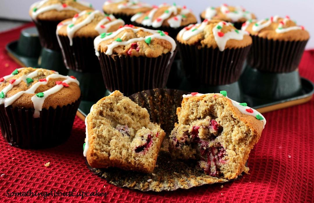 cranberry orange mini muffins by @somethingaboutcupcakes