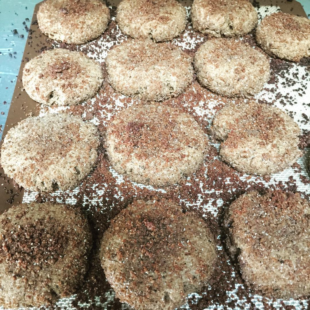 eggnog snickerdoodles by @lizeatsvegan