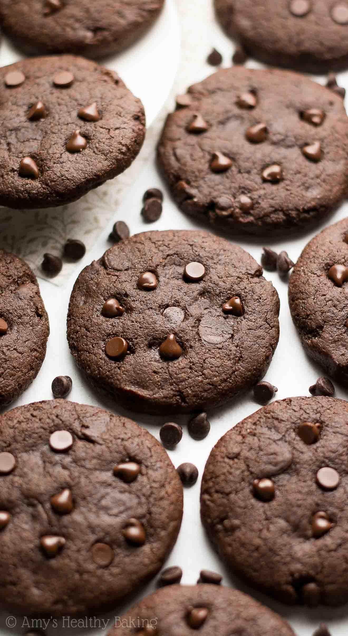 Healthy Fudgy Peppermint Mocha Cookies -- only 89 calories & like a cross between brownies & cookies! My FAVORITE cookie recipe!