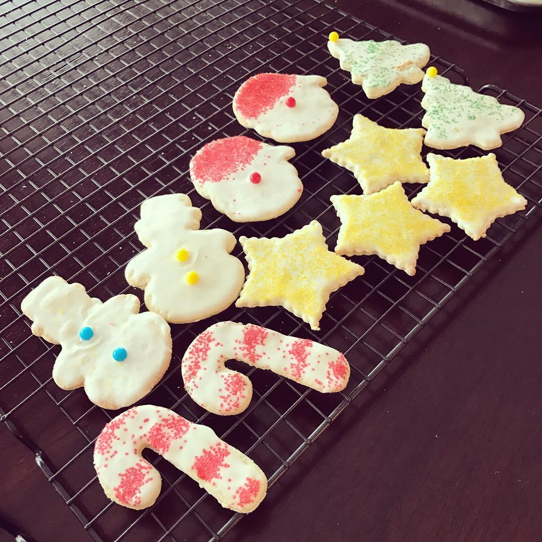 skinny Christmas sugar cookies by @whatieat247