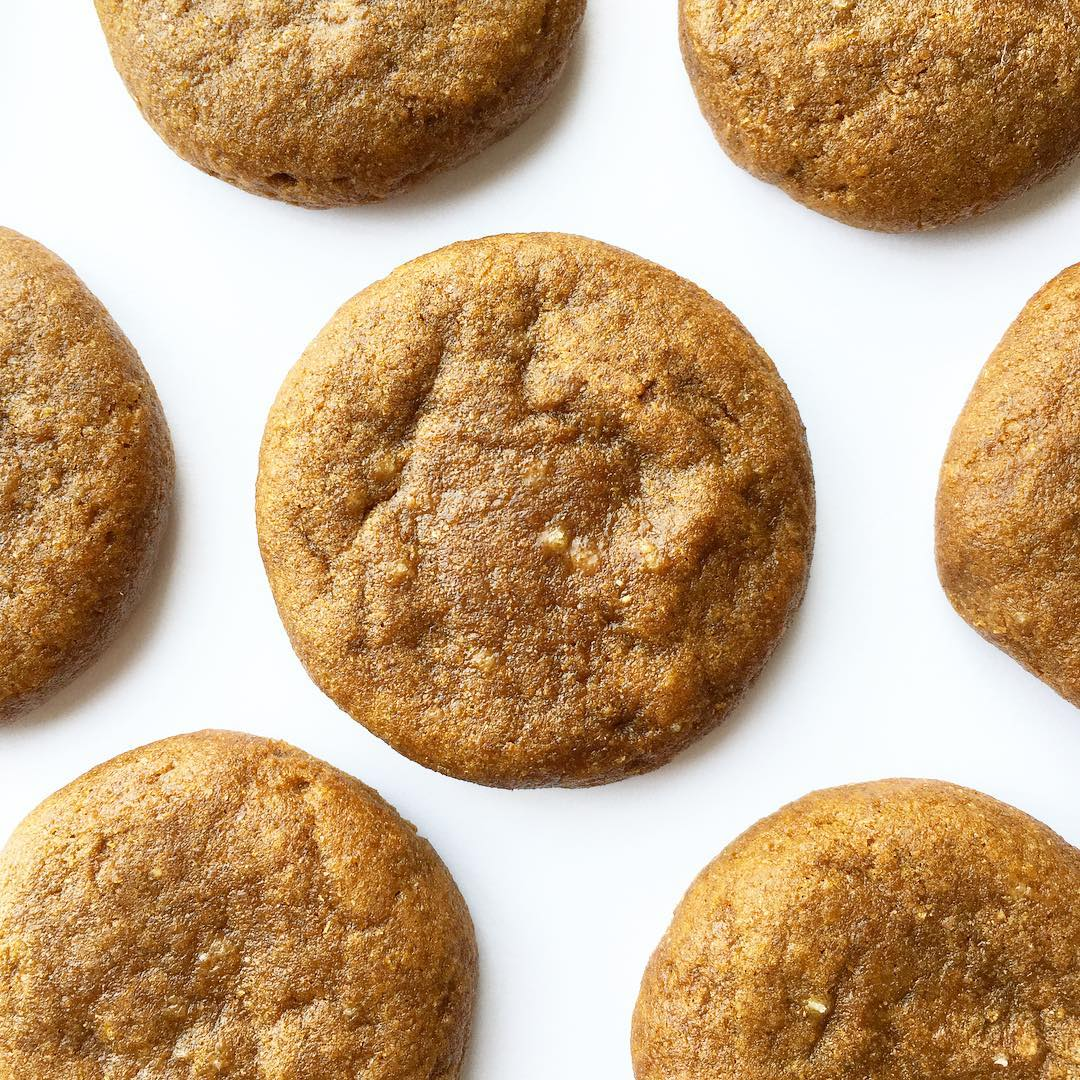 soft-baked ginger cookies by @hannahsfoodieadventures