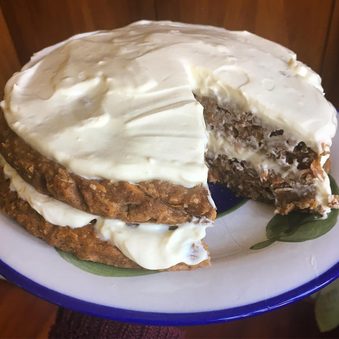 the ultimate healthy carrot cake by @jen_healthy