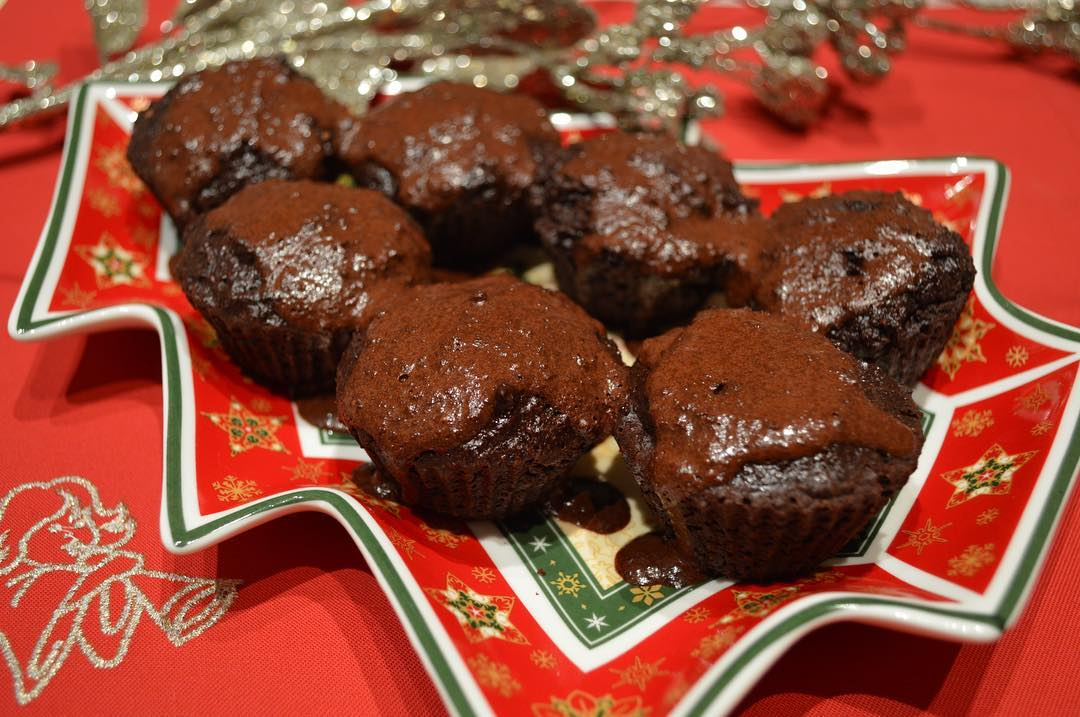 the ultimate healthy dark chocolate cupcakes by @munchkin_eats_healthy