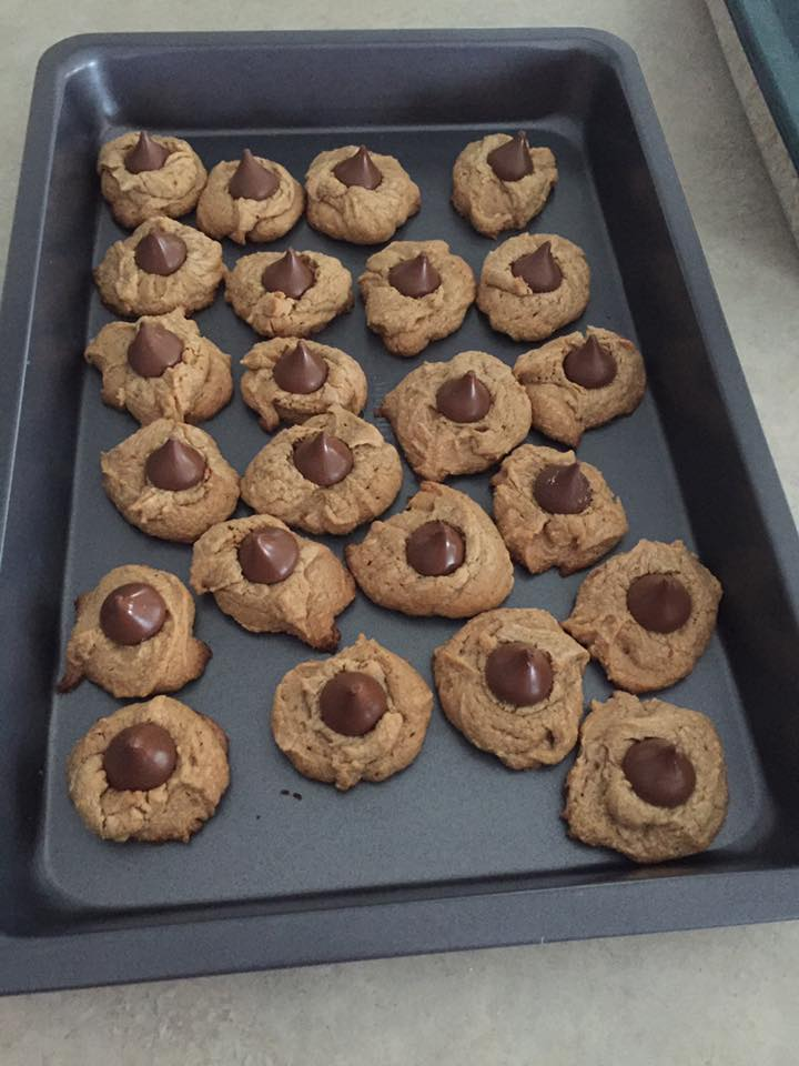 the ultimate healthy peanut butter blossoms by @judith