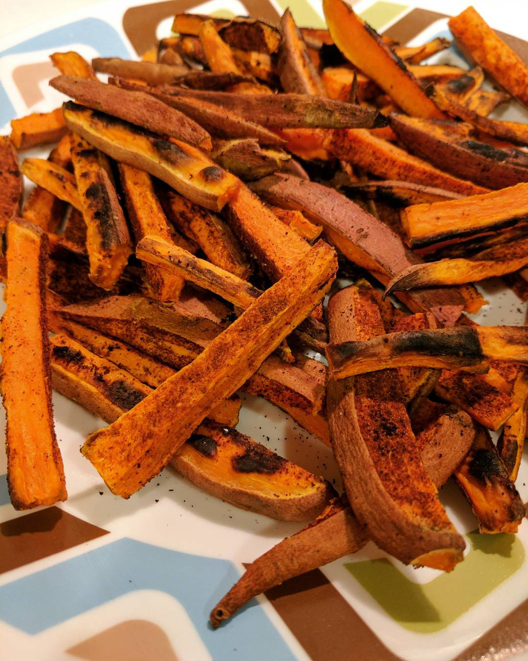 baked spicy cinnamon sweet potato fries by @bestlaidpans