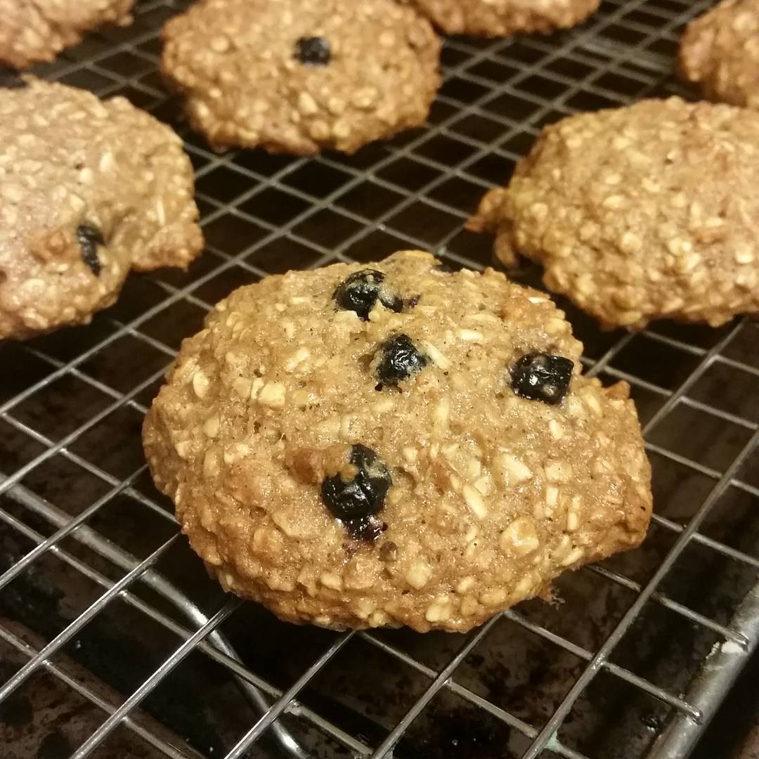blueberry oatmeal cookies by @ctina225
