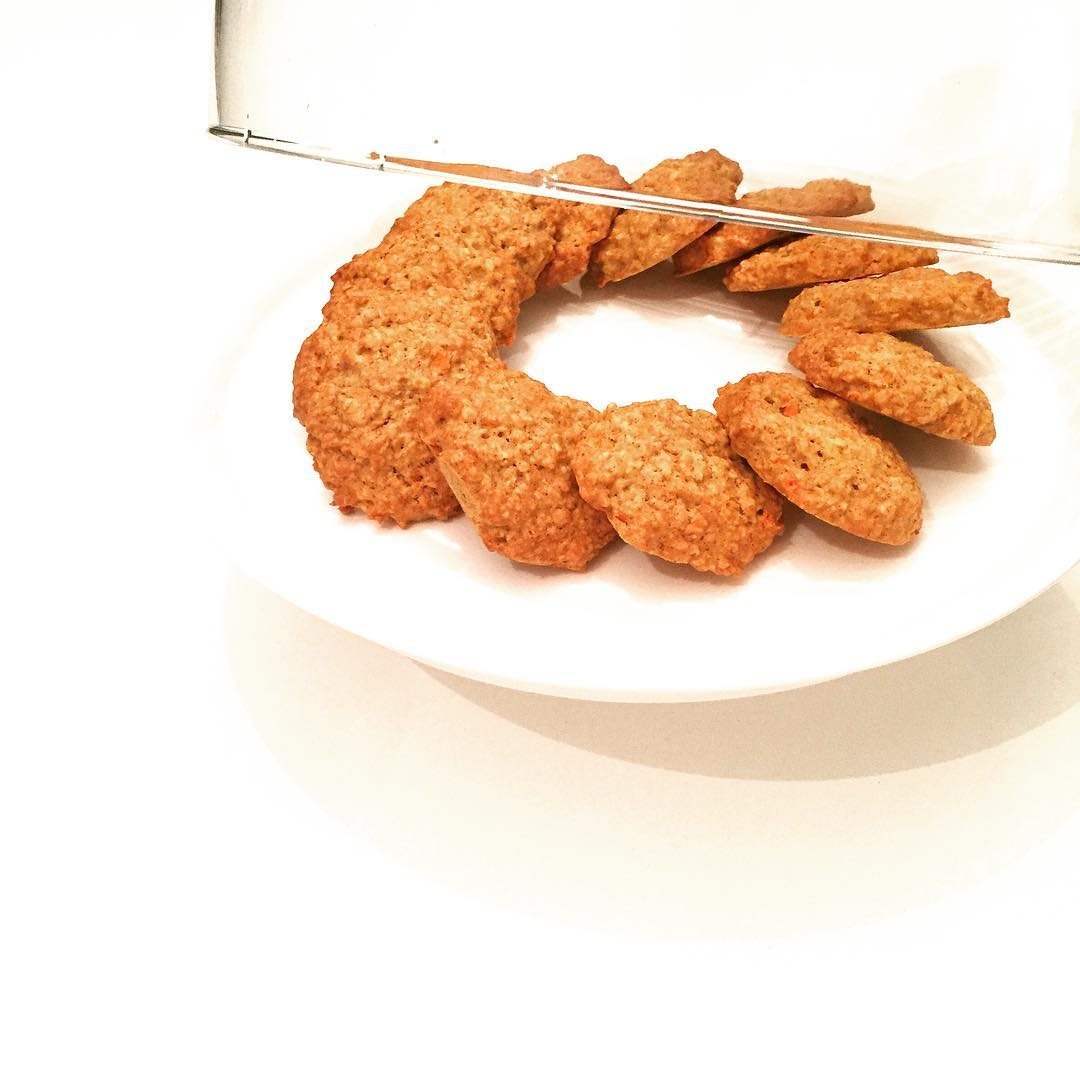 carrot cake oatmeal cookies by @foodiemuch_