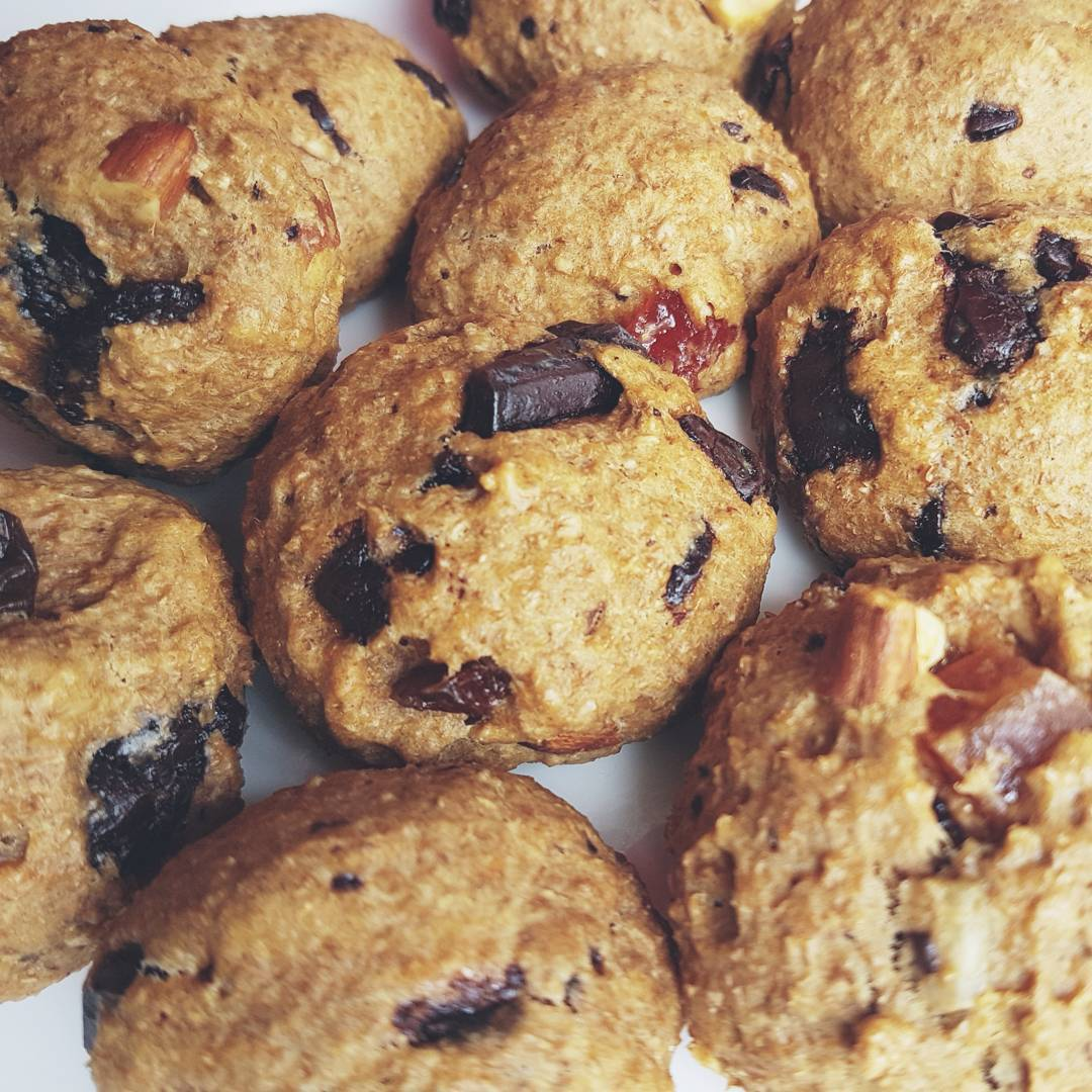 healthy classic chocolate chip cookies by @nellymtzc