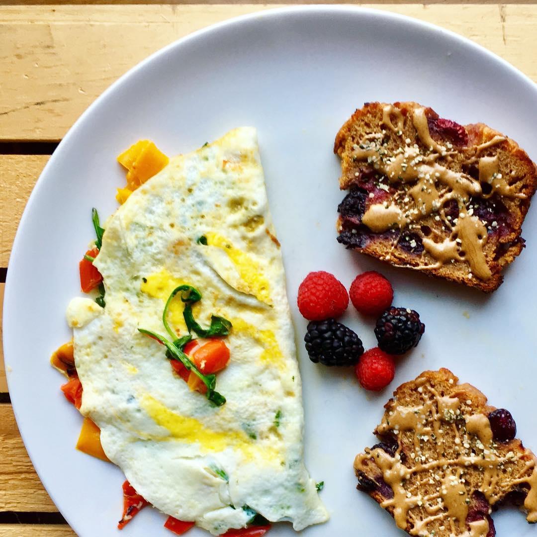 lemon blueberry breakfast loaf by @kalesfiteats