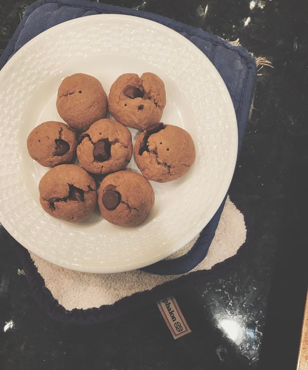 mini chocolate chip peanut butter cookies by @ahealthnut