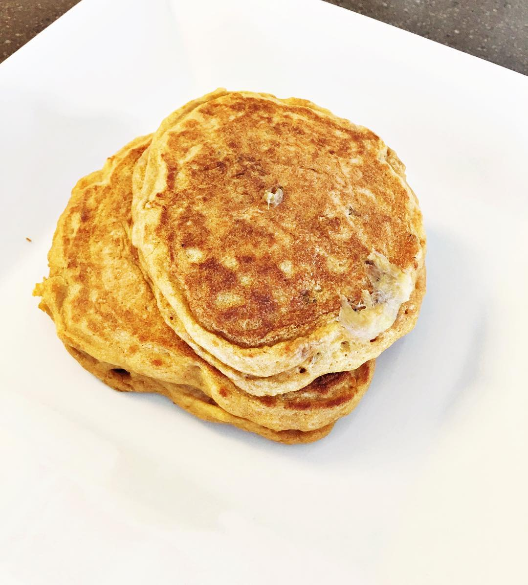 the ultimate healthy buttermilk pancakes by @aliciadturner