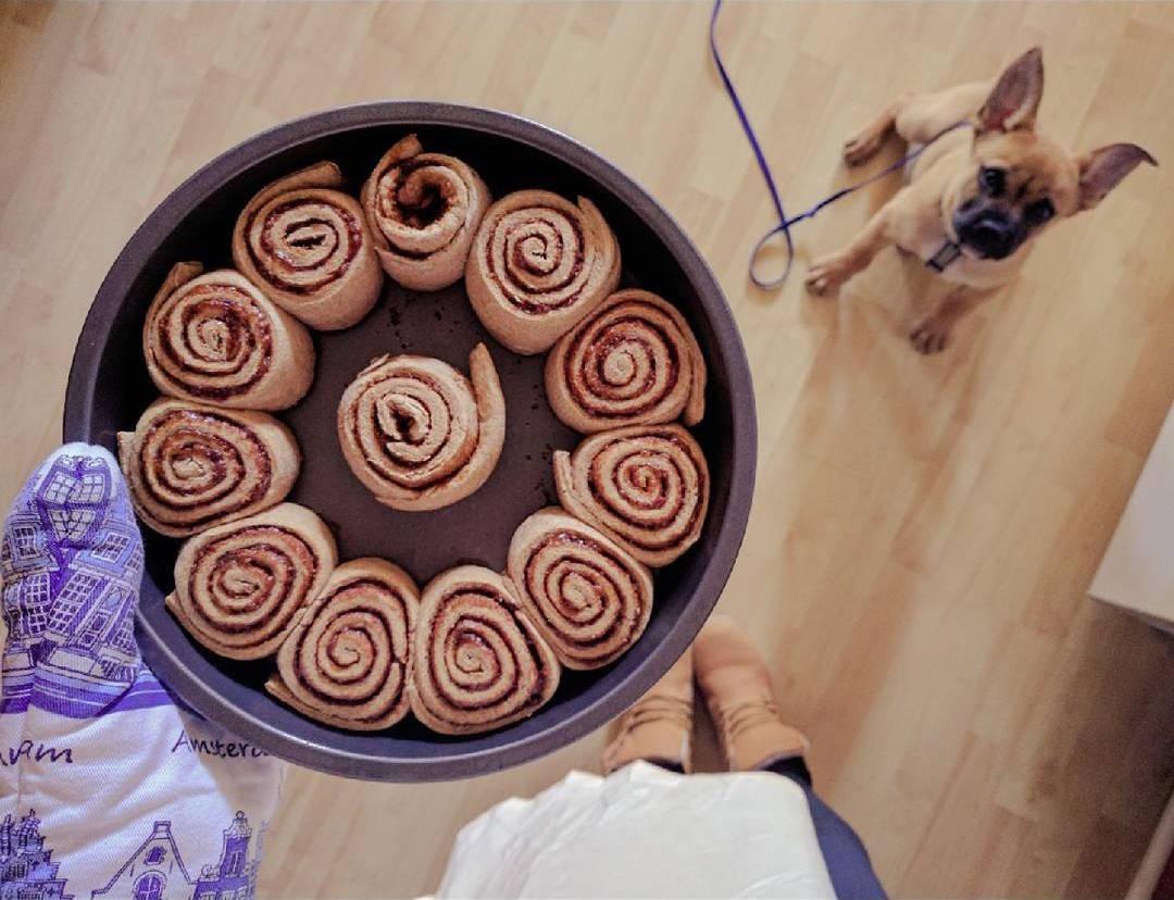 45-minute healthy cinnamon rolls by @artlesspix