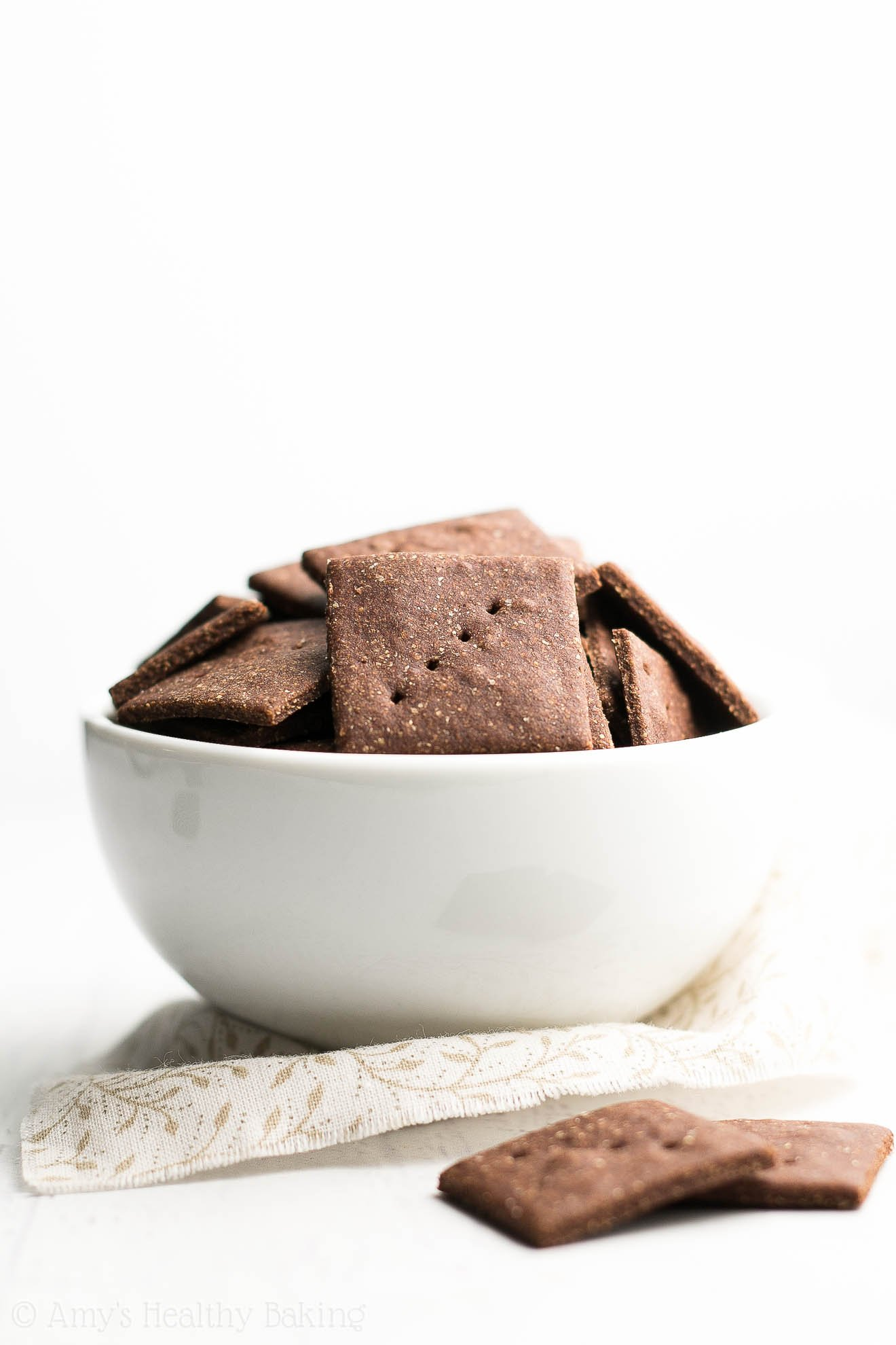 Healthy Mini Chocolate Graham Crackers Recipe -- only 88 calories & 6 ingredients! SO much better than store-bought!