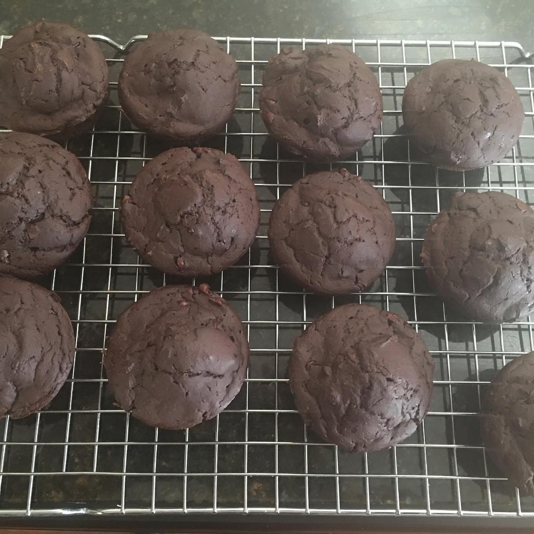 the ultimate healthy chocolate mini muffins by @ssoreano