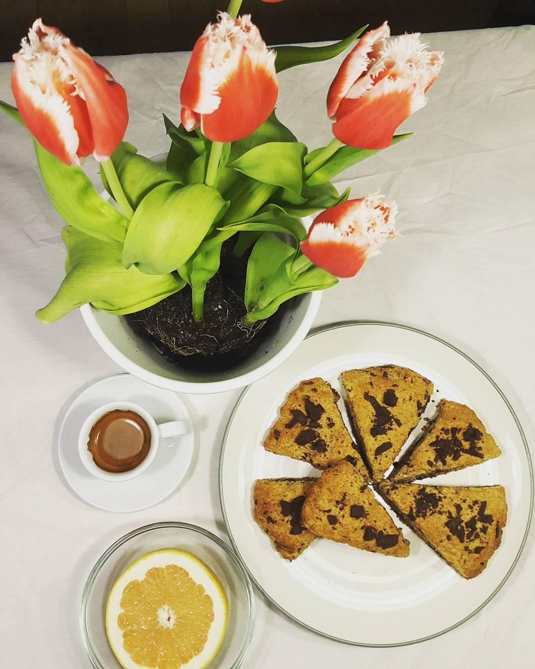 healthy almond joy scones by @ziv_jackie