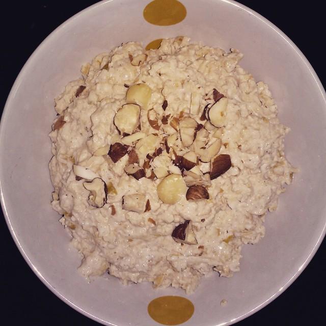 apple pie protein overnight oats by @dija_tiu