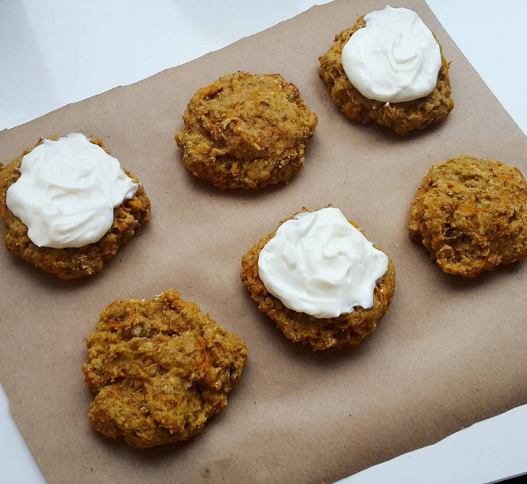 carrot cake oatmeal cookies by @michellesarahhhh