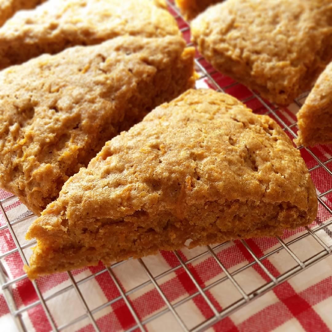 healthy carrot cake scones by @claras_keksfabrik