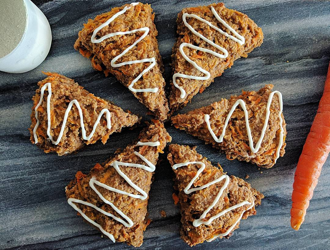 healthy carrot cake scones by @mealhousewivesofto