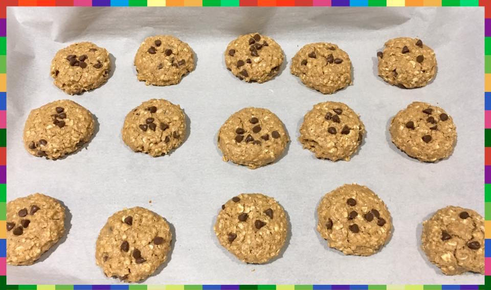 chocolate chip almond butter oatmeal cookies by @kerri