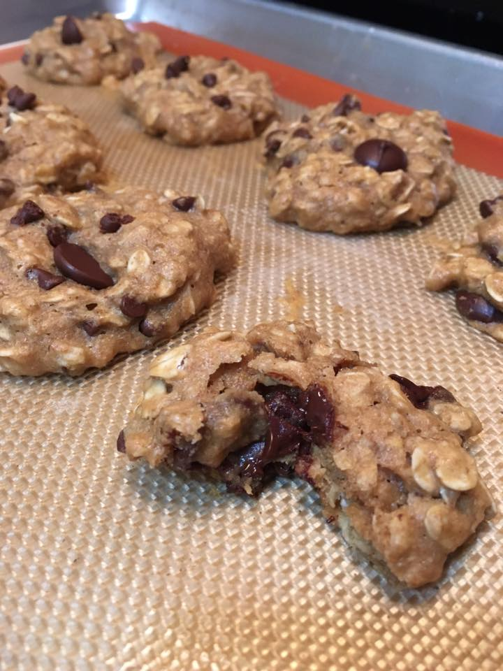 chocolate chip peanut butter oatmeal cookies by @michelle
