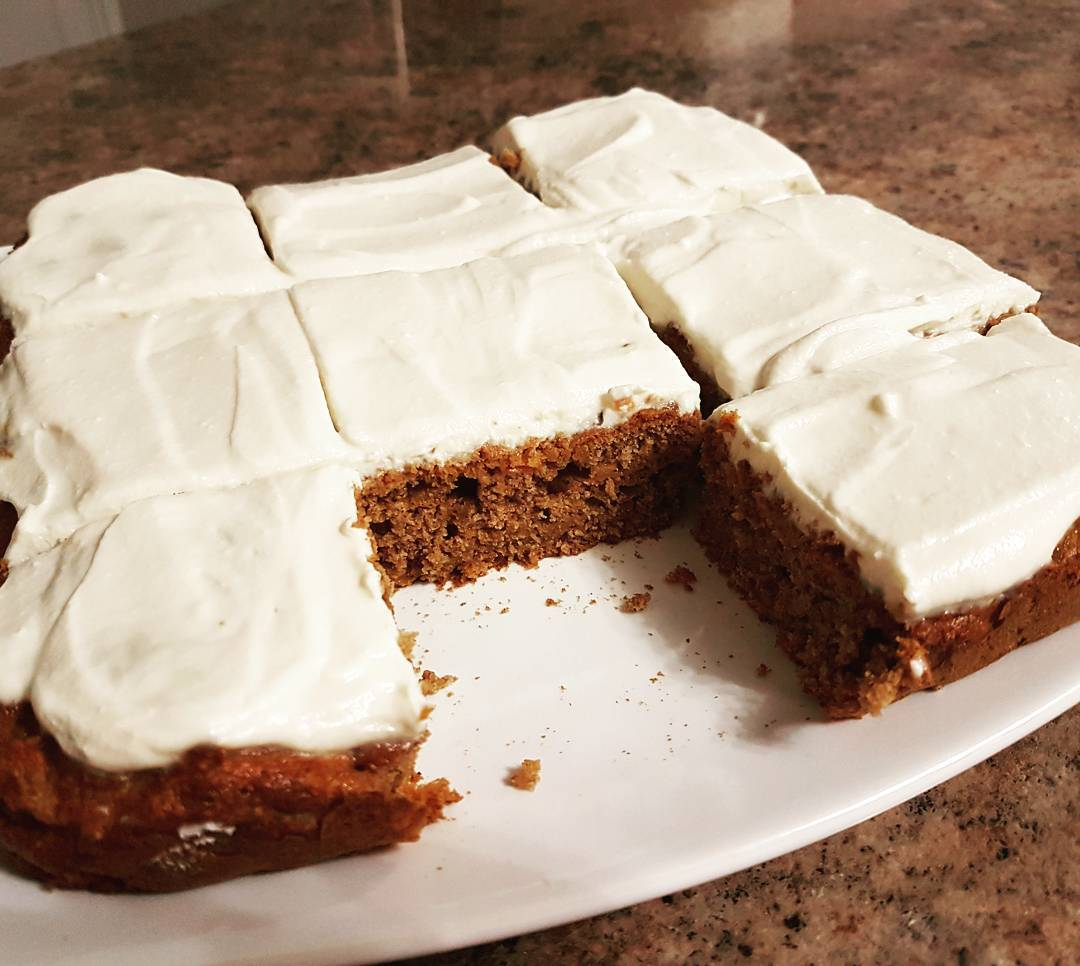 healthy classic carrot cake by @h1ppychick48