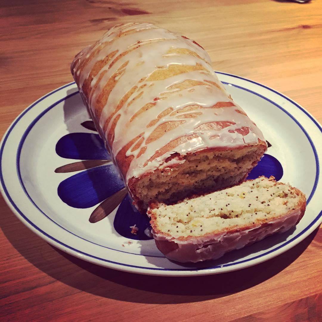 lemon poppy seed loaf cake by @georgiablewden