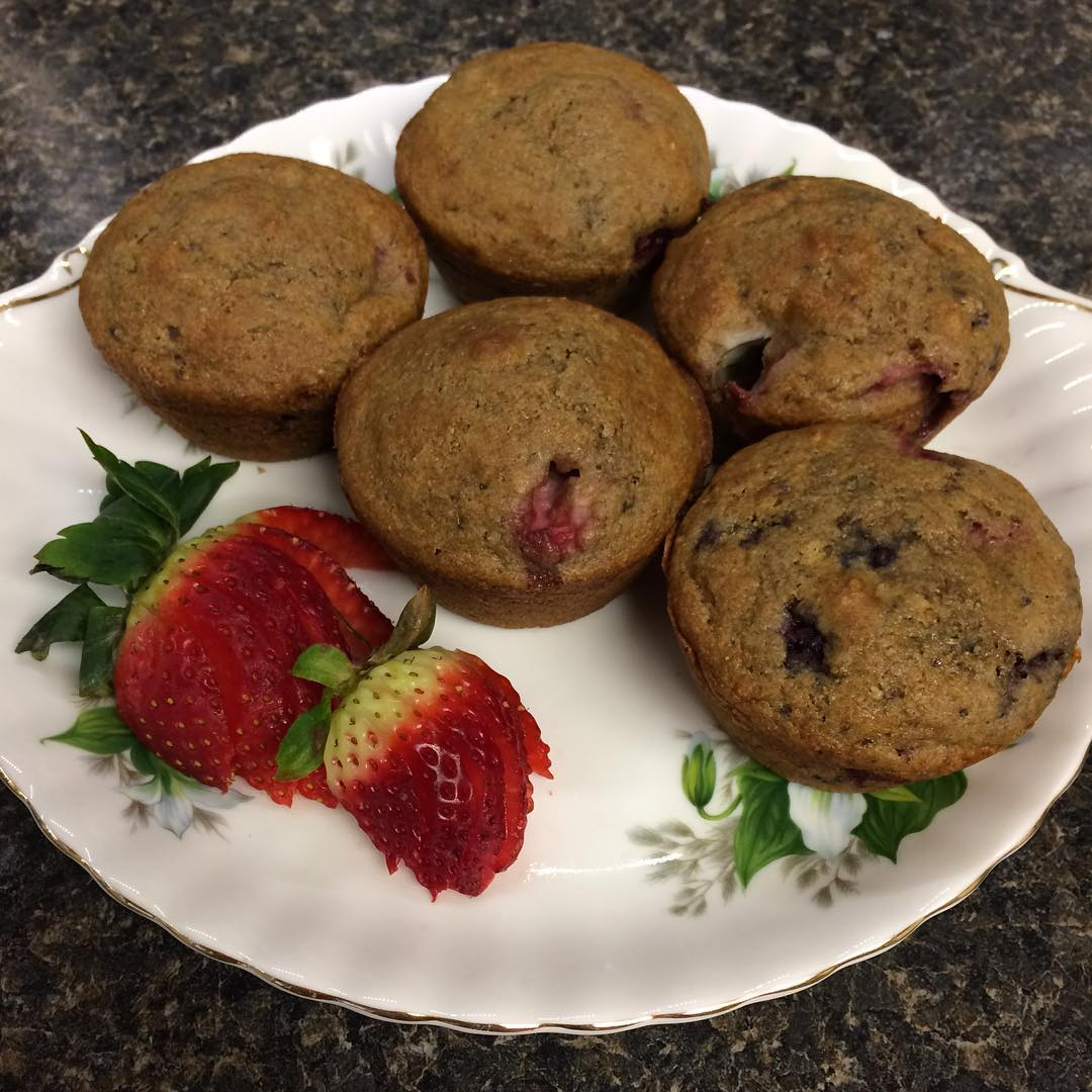 maple mixed berry muffins by @lovecamping