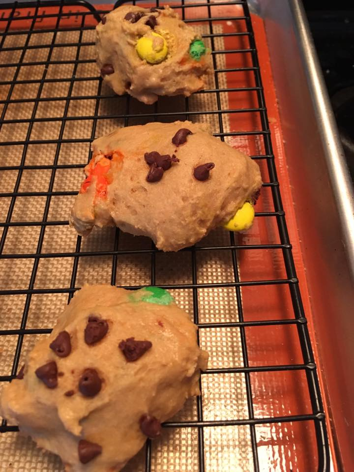 rainbow chocolate chip cookies by @michelle