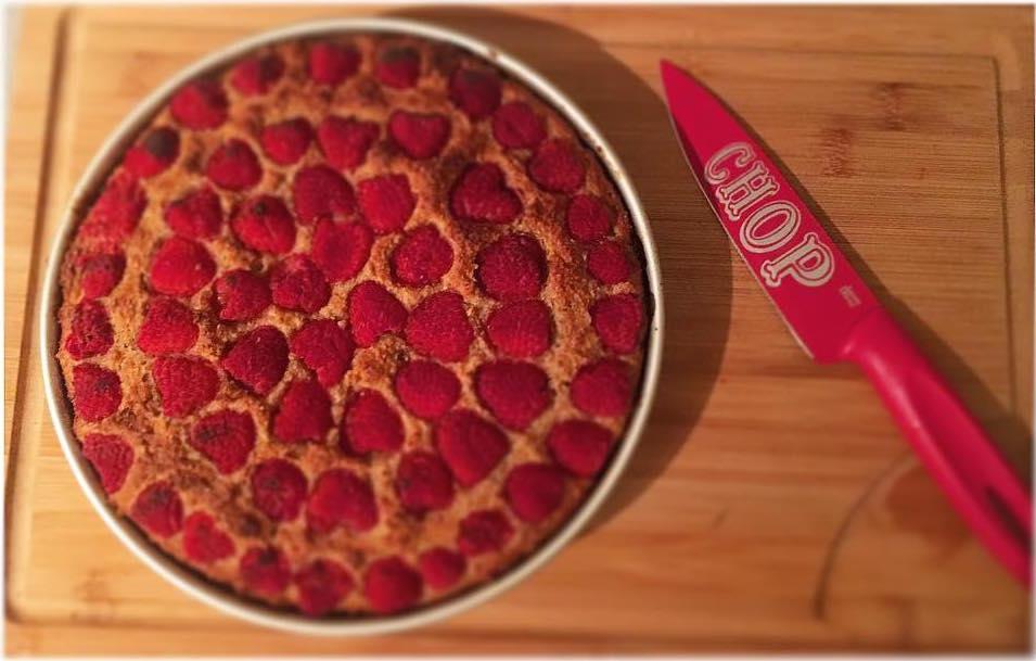 simple raspberry lemon cake by @jennifer.alicex