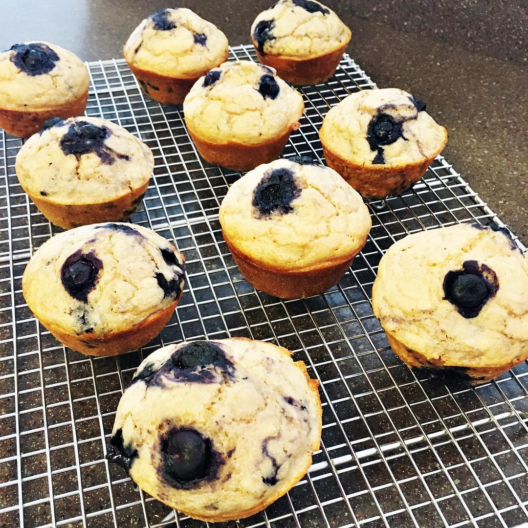 the ultimate healthy blueberry muffins by @aliciadturner