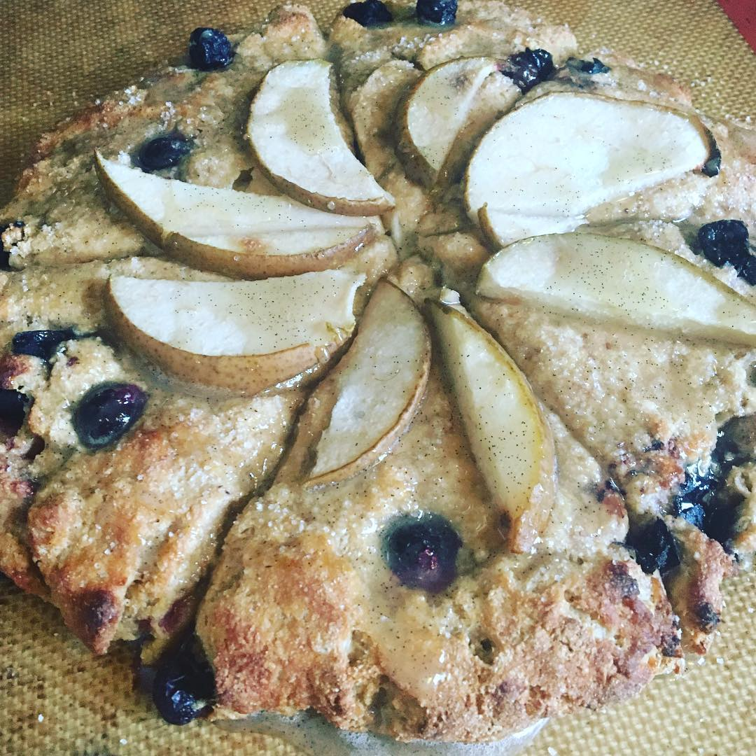 the ultimate healthy blueberry scones {with pears too!} by @fitmomof3girls