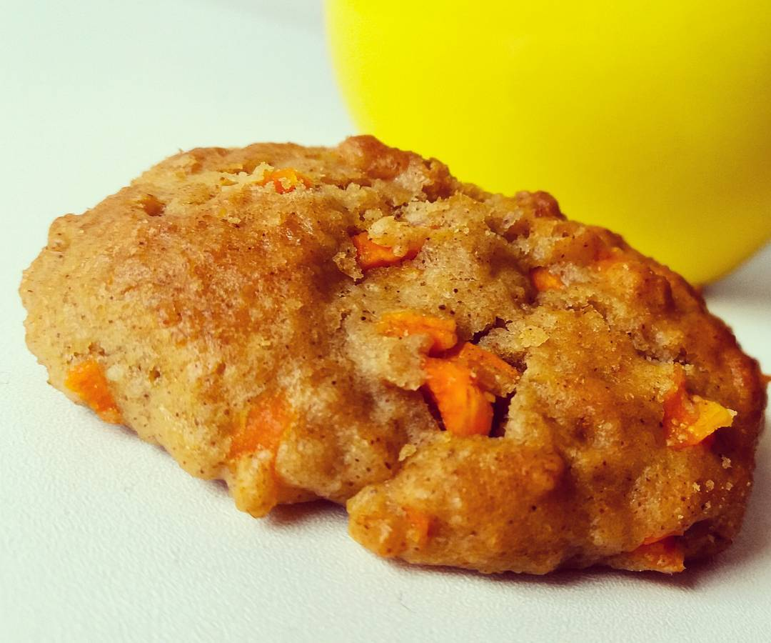 carrot cake oatmeal cookies by @fitchick2685