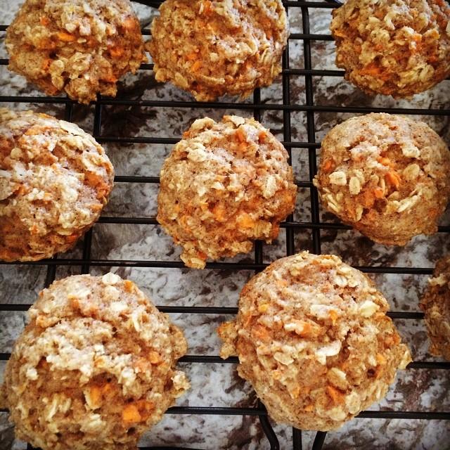 carrot cake oatmeal cookies by @melanie_swain14