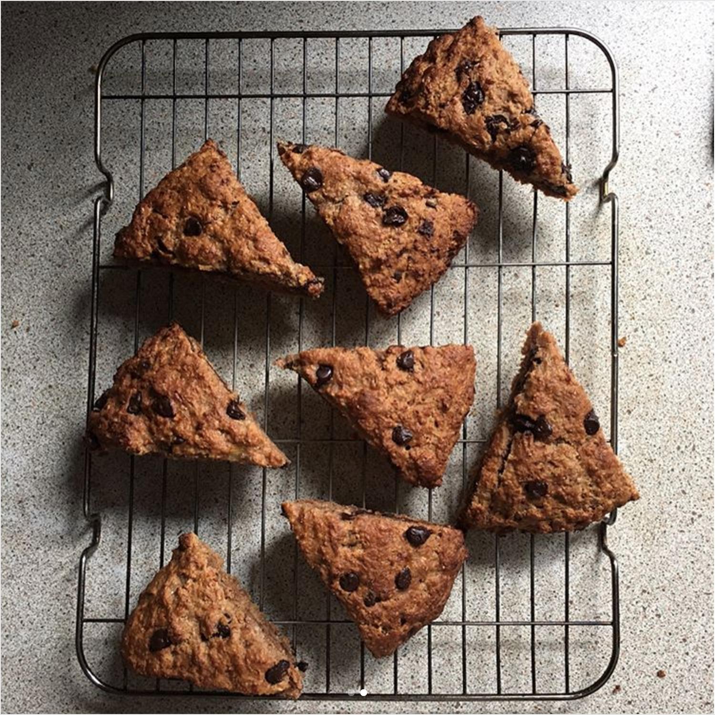 healthy chocolate chip banana bread scones by @hayleyr1403