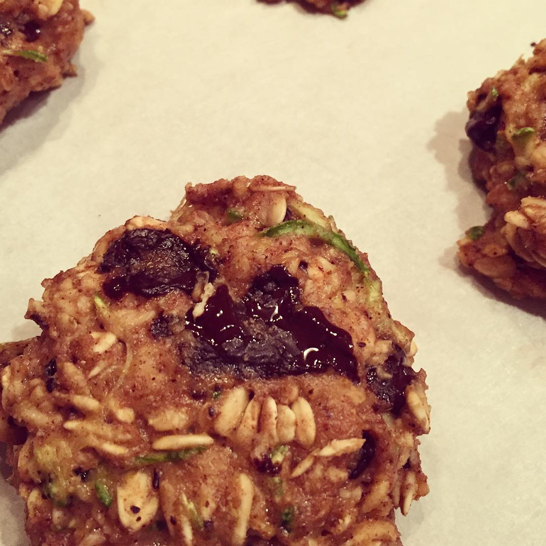 chocolate chip zucchini bread oatmeal cookies by @rebes75