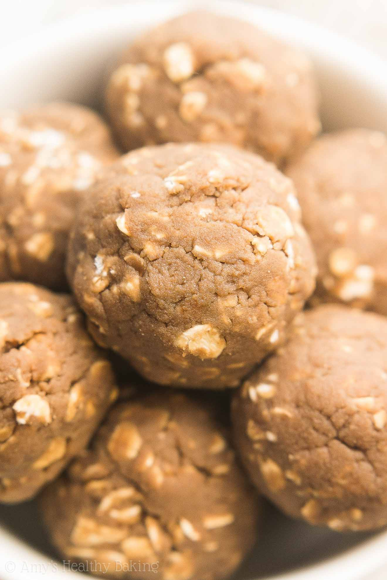 Healthy Coffee Energy Bites -- an easy recipe with 5 ingredients & 12g+ of protein!