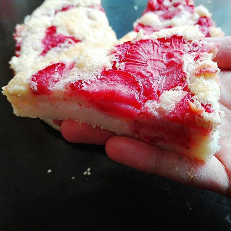 simple strawberry lemon cake by @miss_recipes