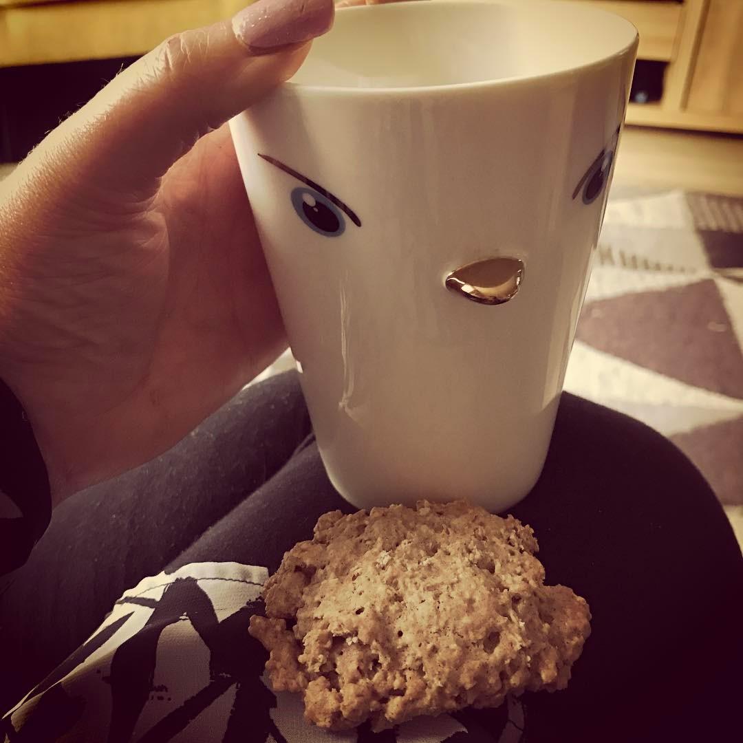 cinnamon roll oatmeal cookies by @guitargirl1990